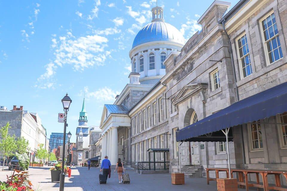 Marche de Bonsecours e Notre-Dame de Bonsecours são atrativos principais de Old Montreal, Canada
