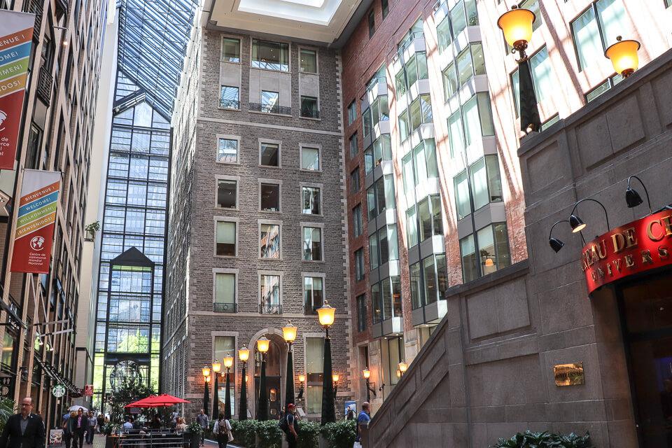 Ruelle des Fortifications é um dos principais atrativos e opção de onde comer em Montreal