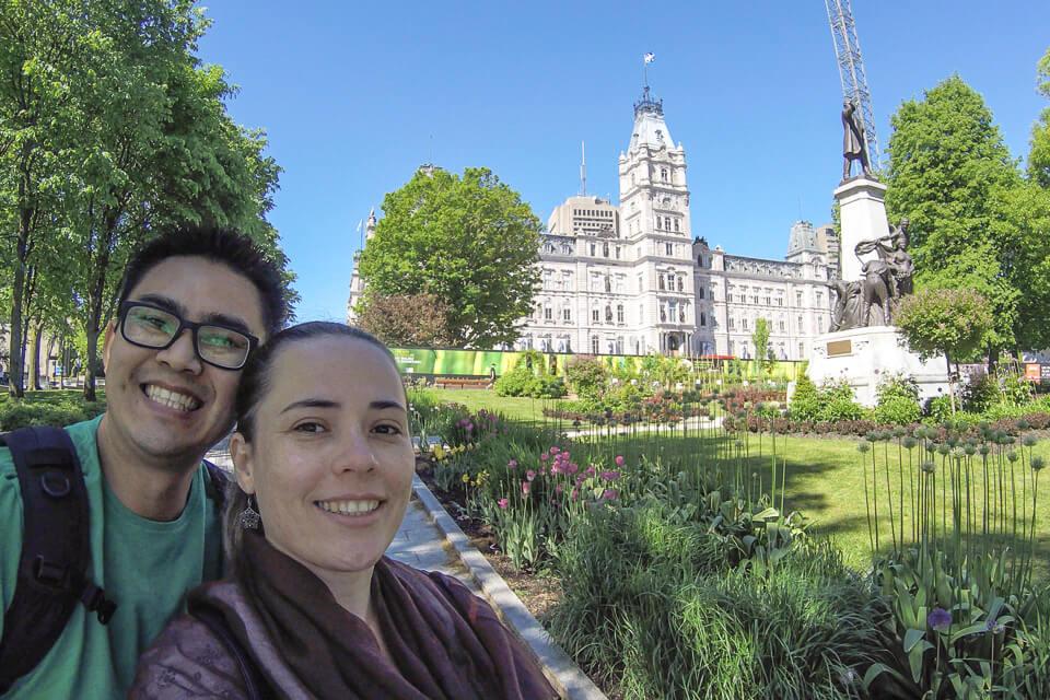 Vale a pena visitar o jardim do Parliament Building em Quebec City, Canadá