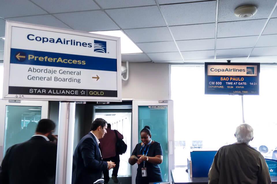 Como é voar Copa Airlines? Embarque no aeroporto do Panamá
