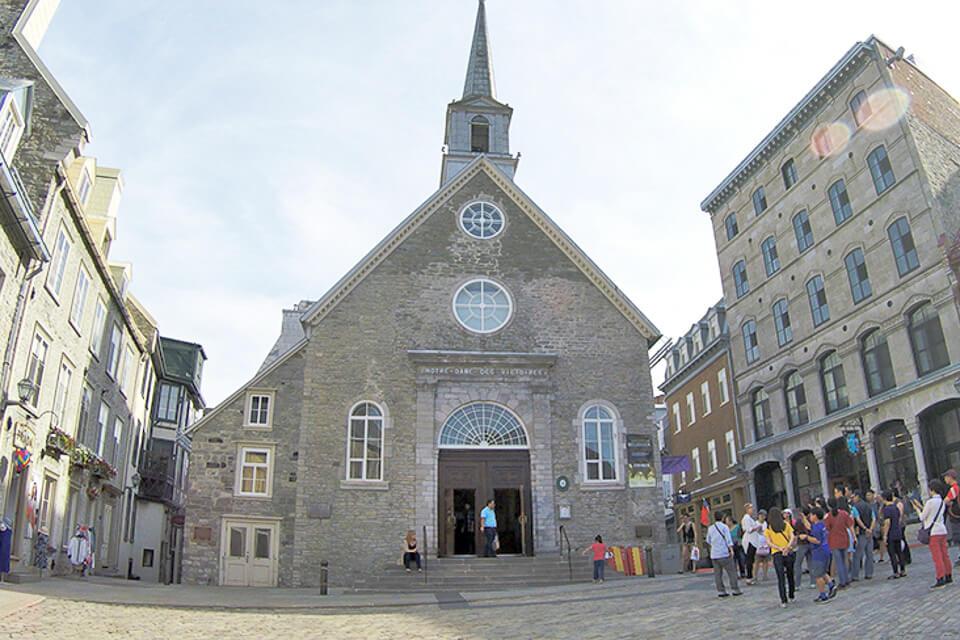 O que tem na Place Royale? Igreja Notre-Dame des Victoires