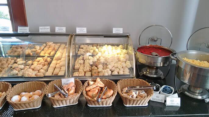 café com variedades em hotel de Porto Alegre